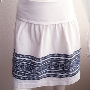 Madewell embroidered white/blue skirt 100% cotton